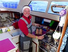Anastasia koken aan boord